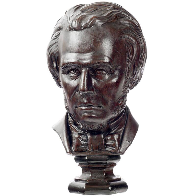 Mezzobusto ligneo che ritrae lo scienziato inglese Michael Faraday
